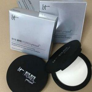 It Cosmetics Bye Bye Pores Silk Press Powder